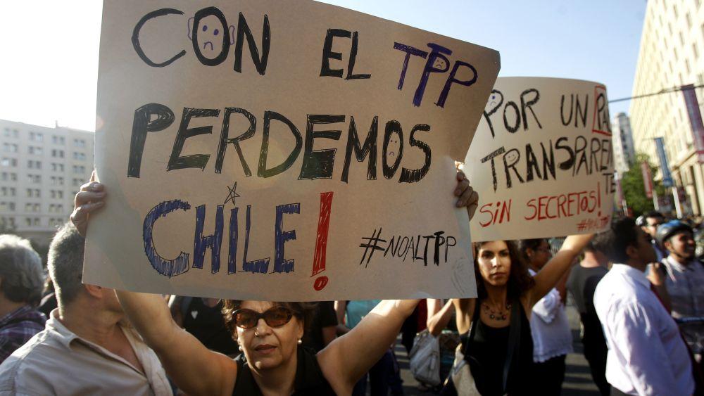 """El último """"engaño"""" del gobierno: la firma del TPP"""