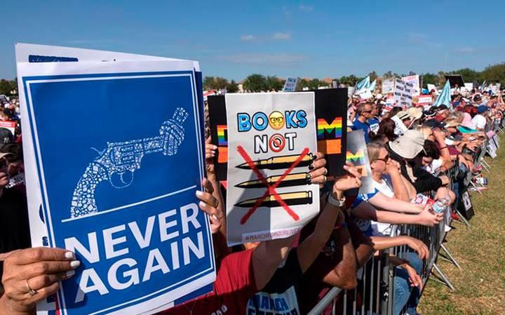 Donald Trump insiste en no derogar enmienda que protege el porte de armas