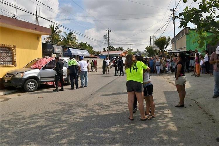 Guatemala: Sicarios disfrazados de albañiles acribillan y matan al alcalde de Zapaca