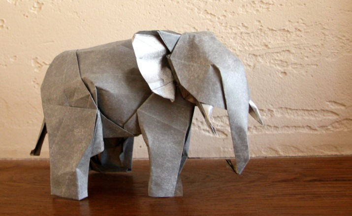 En el futuro podríamos estar usando papel hecho con estiércol de elefantes y vacas