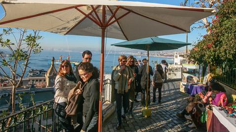 Gasto de extranjeros disminuye casi en un 20% en la región de Valparaíso