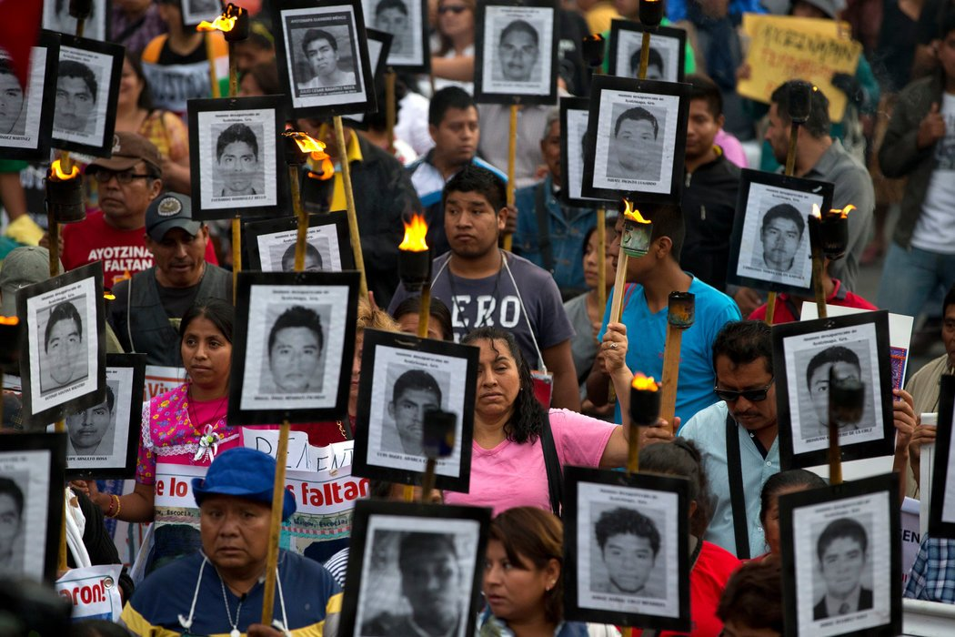Documental sobre caso Ayotzinapa gana premios en Festival Internacional de Cine de Guadalajara