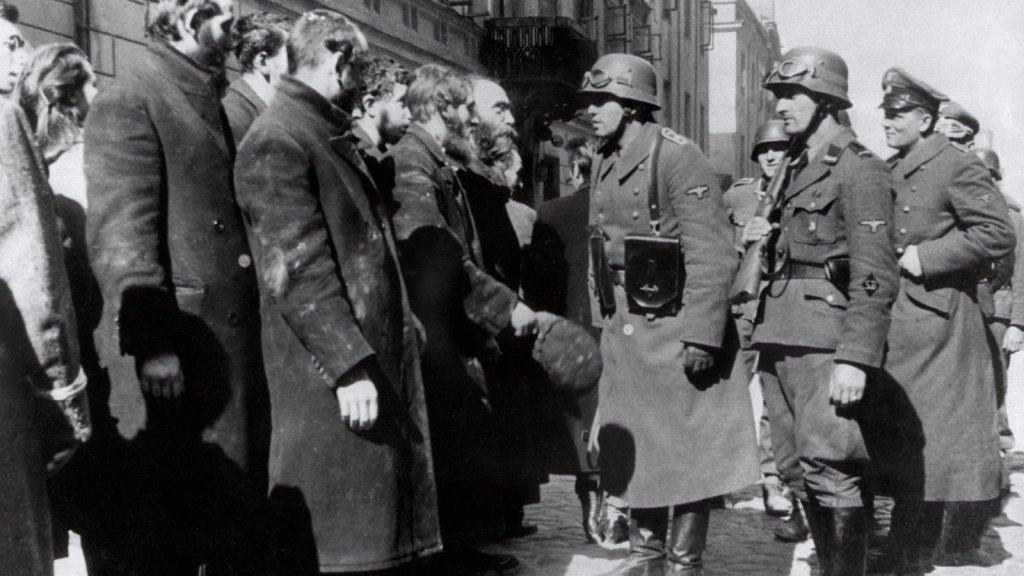 Polonia dice que Alemania todavía le debe 690 mil millones de euros por la Segunda Guerra Mundial