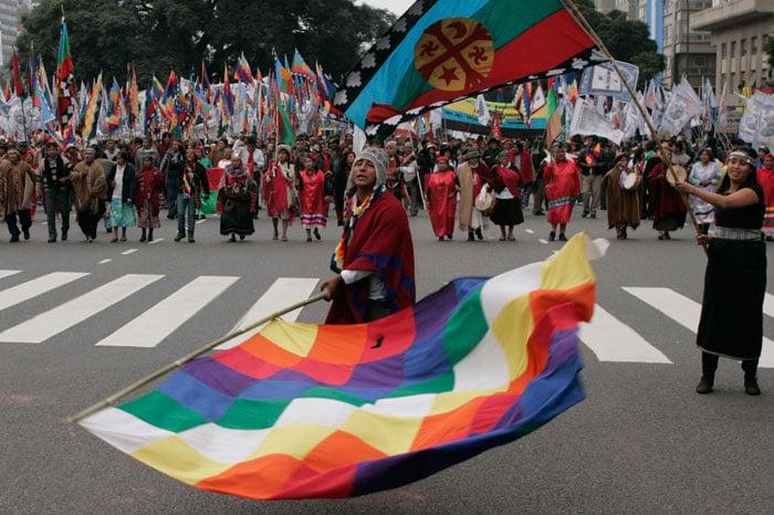 Proyecto que declara feriado el Día Nacional de los Pueblos Indígenas avanzó en el Congreso