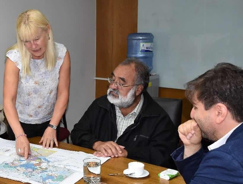 Científicos chilenos y argentinos elaboran primer mapa de riesgo del complejo volcánico Laguna Maule