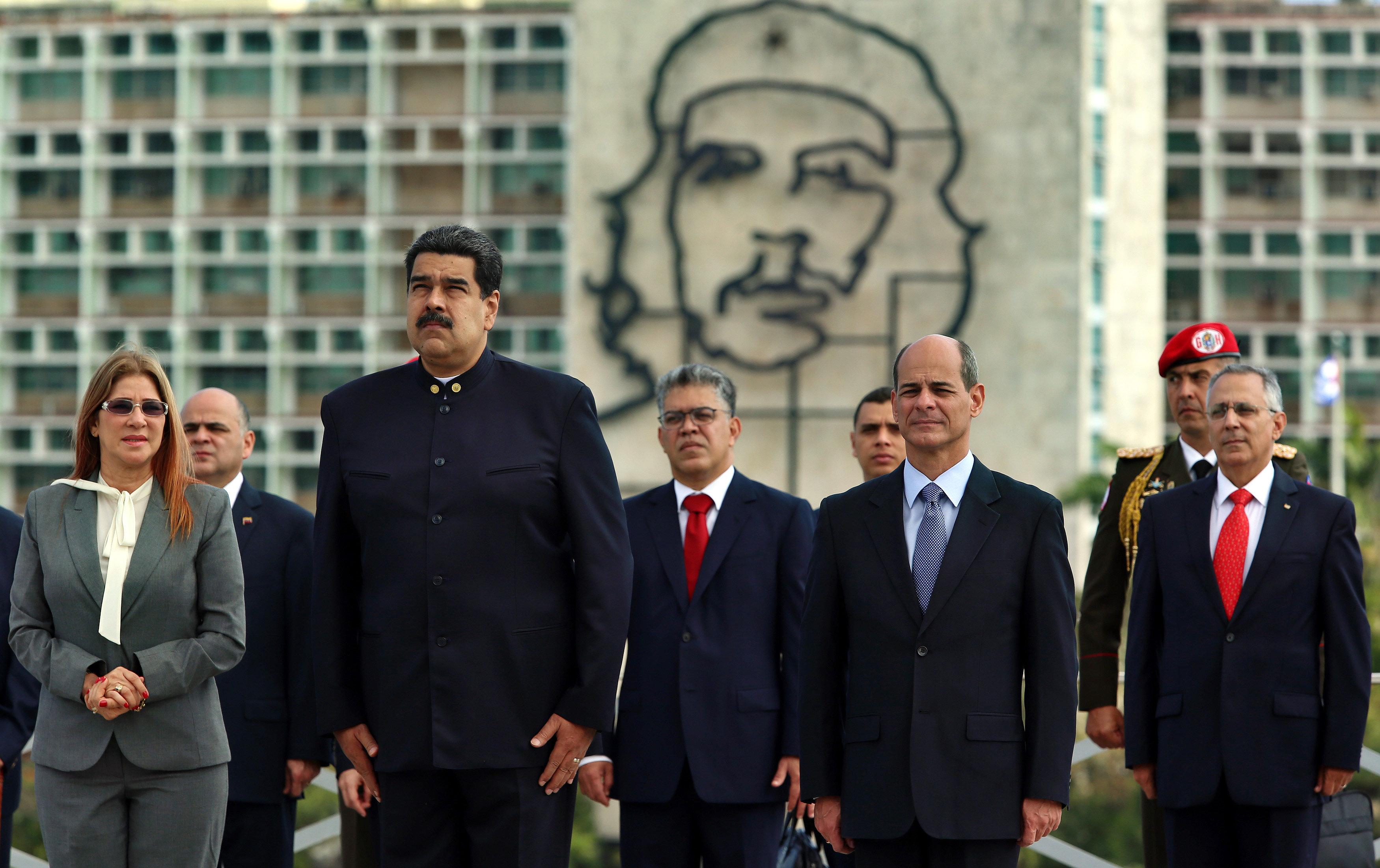 Díaz-Canel recibe a Nicolás Maduro enCuba