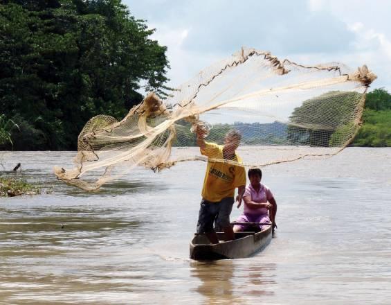 Detenidos dos pescadores guatemaltecos en aguas territoriales de Belice