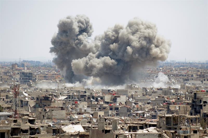 Ejército sirio avanza en controlar zonas de Damasco del grupo terroristas EI