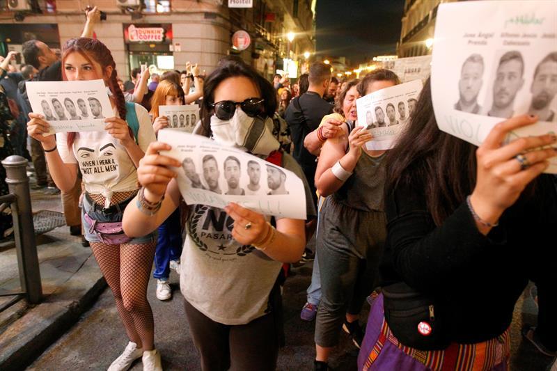 La Manada: España marcha indignada tras insultante condena que descartó violación de joven