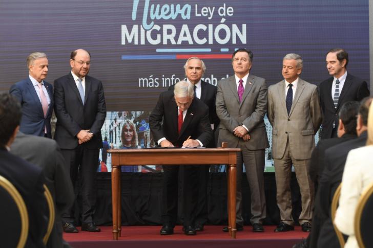 Anuncio de Piñera en migración: Coordinadora de Inmigrantes acusa retroceso «de 10 a 20 años»