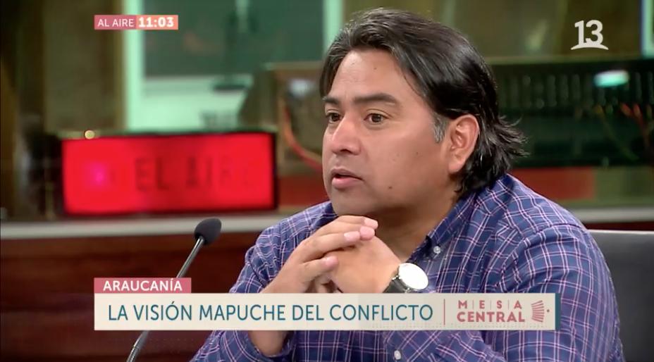 """Pedro Cayuqueo: """"Han transformado a un pueblo diplomático, en un pueblo que se ha tenido que encapuchar"""""""