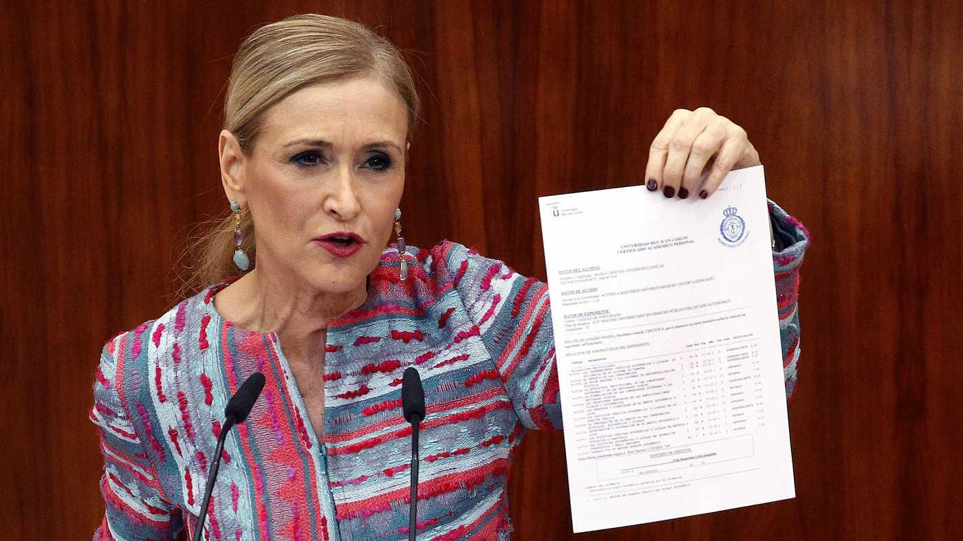 Cristina Cifuentes envuelta en una polémica por su título de máster