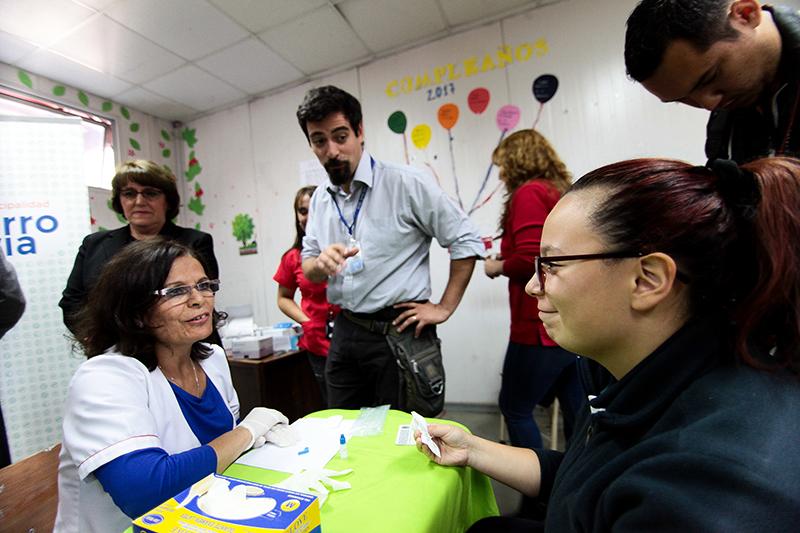 Cerro Navia realizará examen de VIH gratuitos en liceos de la comuna