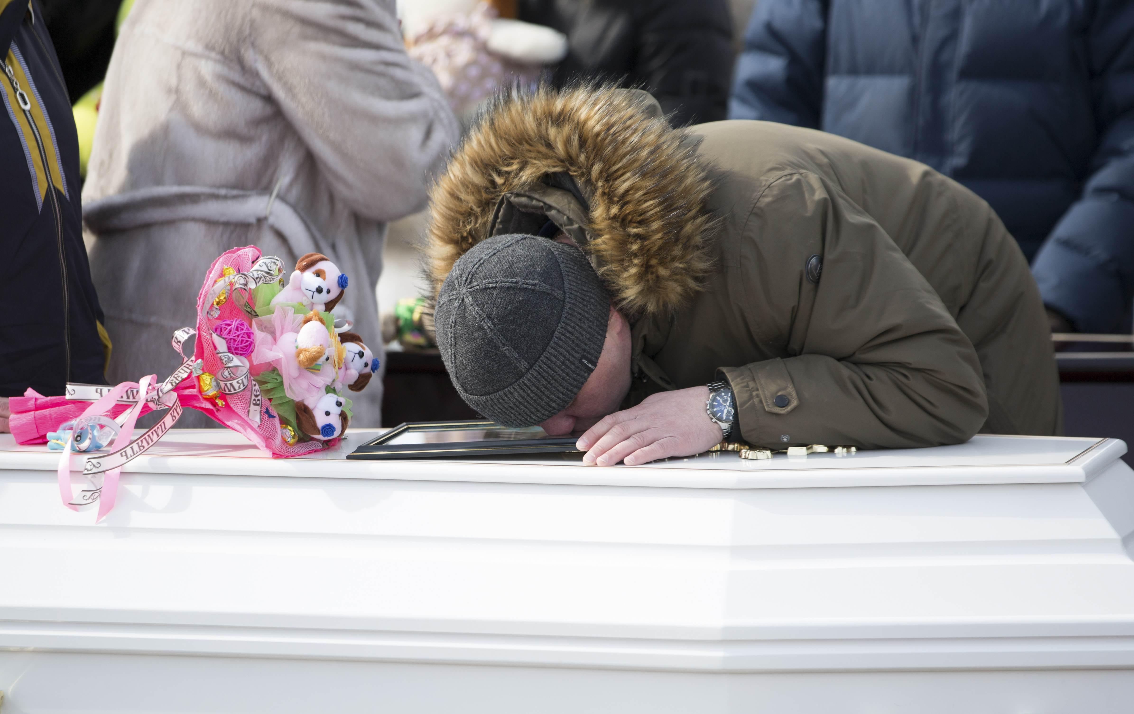 Últimos 37 fallecidos del incendio de Kémerovo serán sepultados este fin de semana