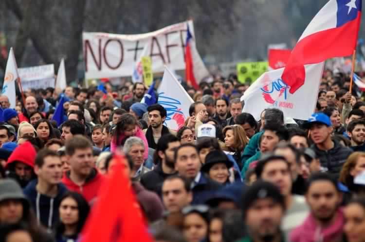 Luis Mesina: «Ninguna reforma que no incorpore la solidaridad como principio fundamental podrá mejorar las pensiones»