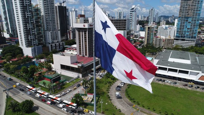 Venezuela suspende relaciones comerciales con Panamá