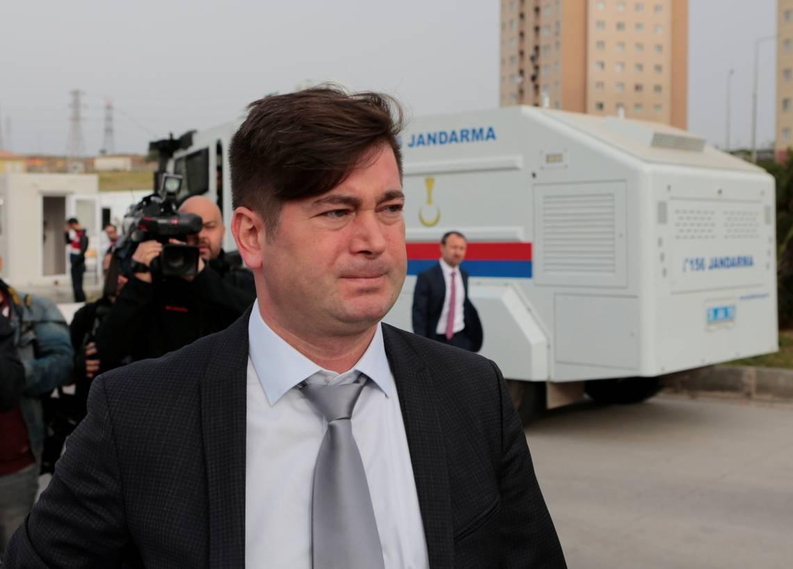 Pastor estadounidense acusado de terrorismo niega los cargos