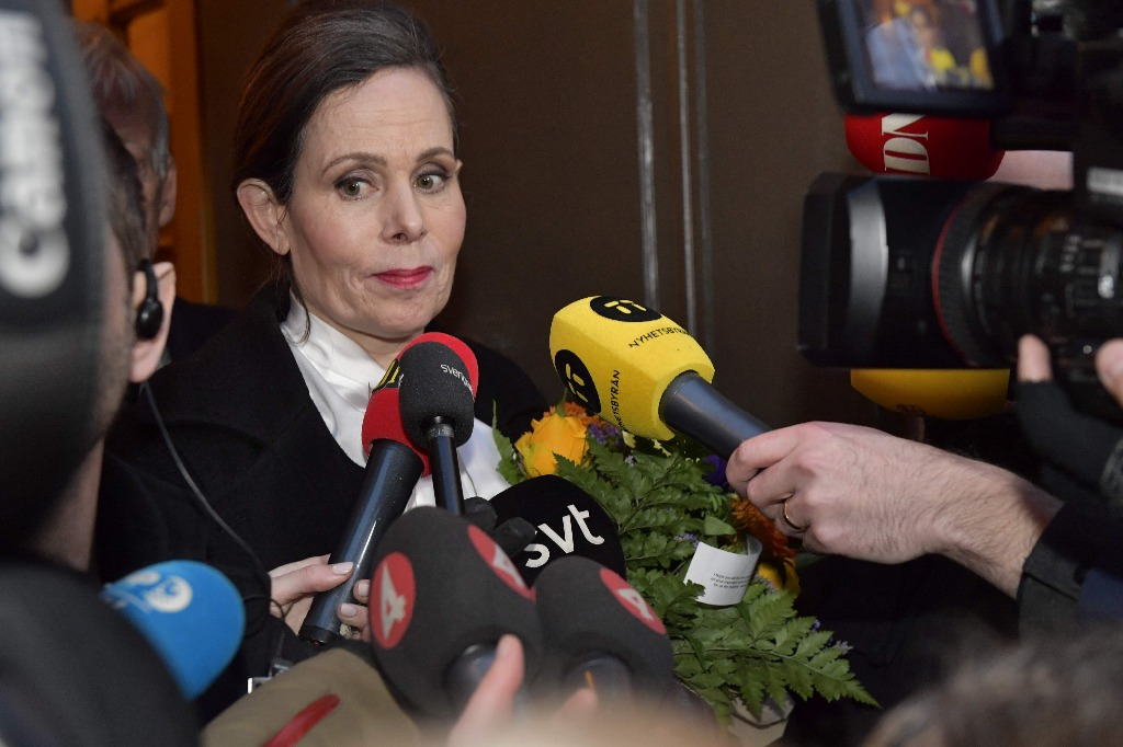 Directiva del Premio Nobel de Literatura renuncia por escándalo sexual