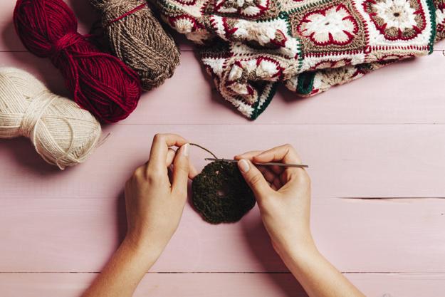 Latinoamericanas crean aldea de tejido