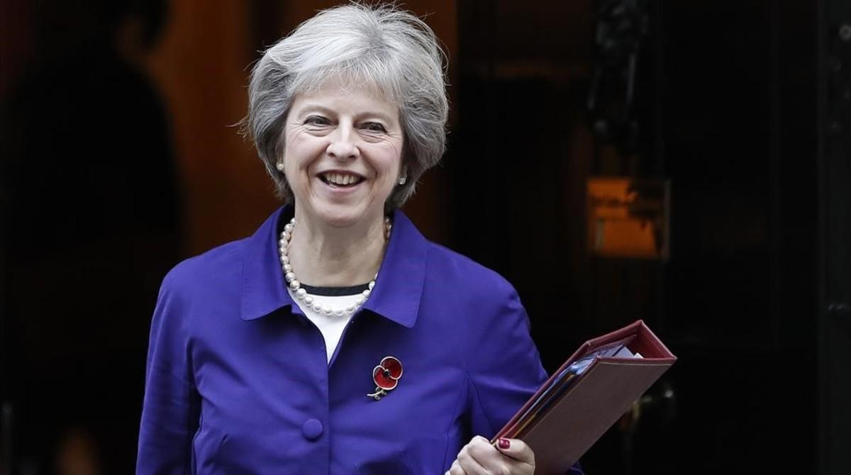 Theresa May podría aprobar una acción militar contra la República Árabe Siria