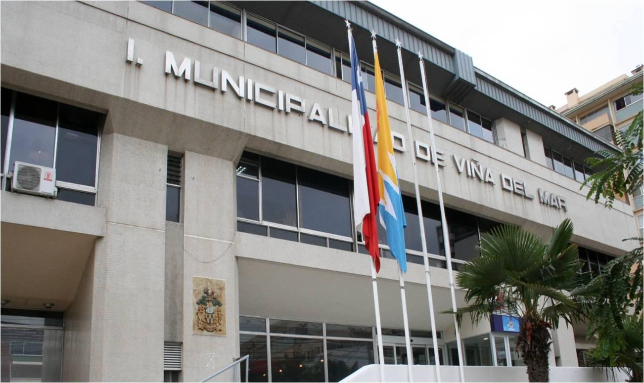 Piden al Ministerio Público citar a declarar al Contralor de la República, a la alcaldesa Reginato y 20 funcionarios por «presupuestos falsos» en Viña del Mar