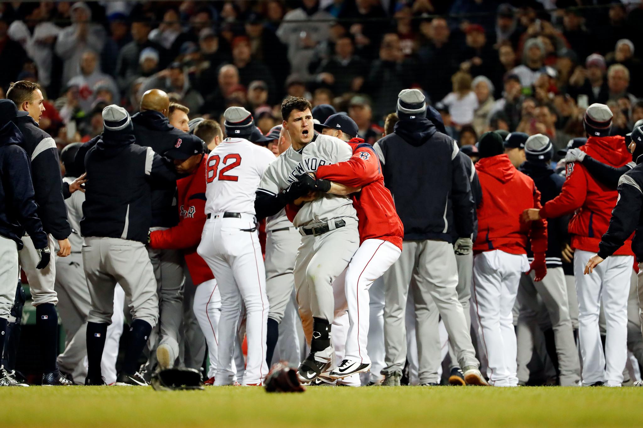 Yankees y Boston revivieron su eterna rivalidad en el Fenway Park