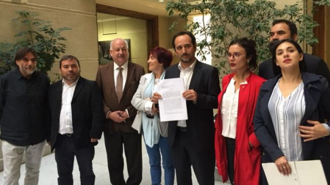 Objeción de conciencia institucional: La inédita demanda presentada por la bancada del PC contra el Tribunal Constitucional