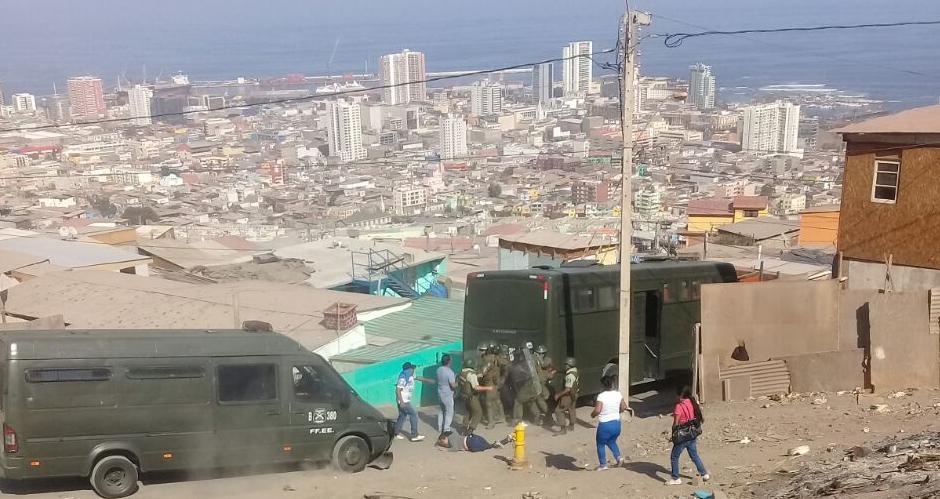 Pobladores del campamento René Schneider II de Antofagasta denuncian amenazas de Carabineros