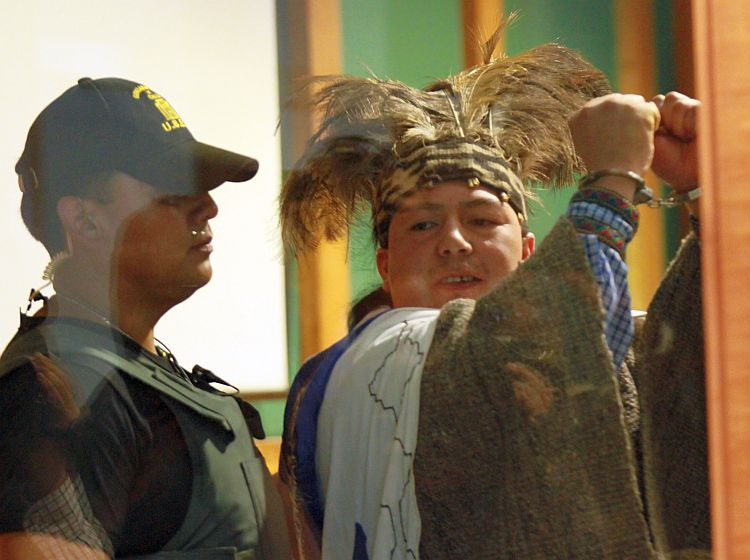 Conadi de Valdivia fue tomada en apoyo a machi Celestino Córdova