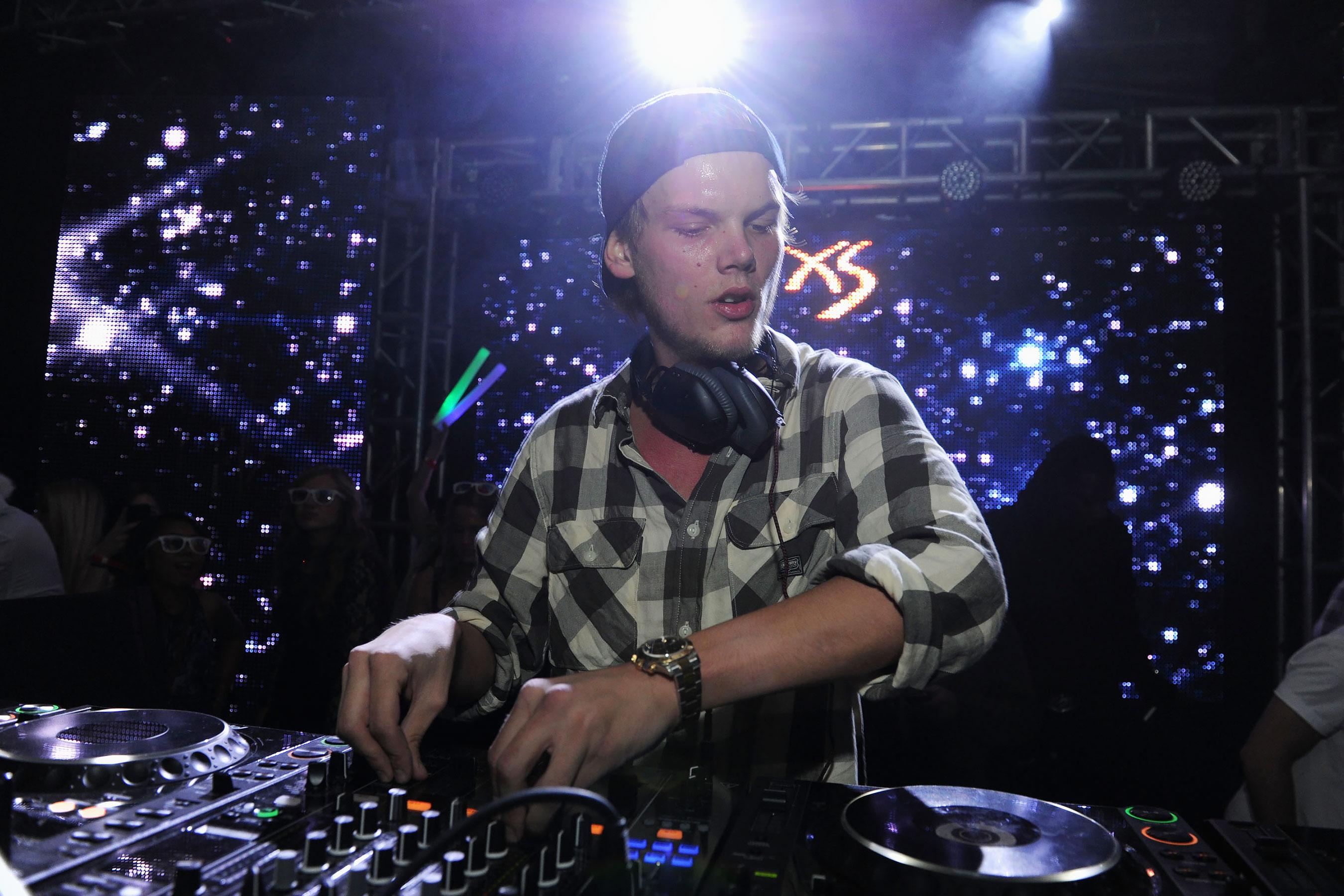 Descartan acción criminal en la muerte de DJ Avicii