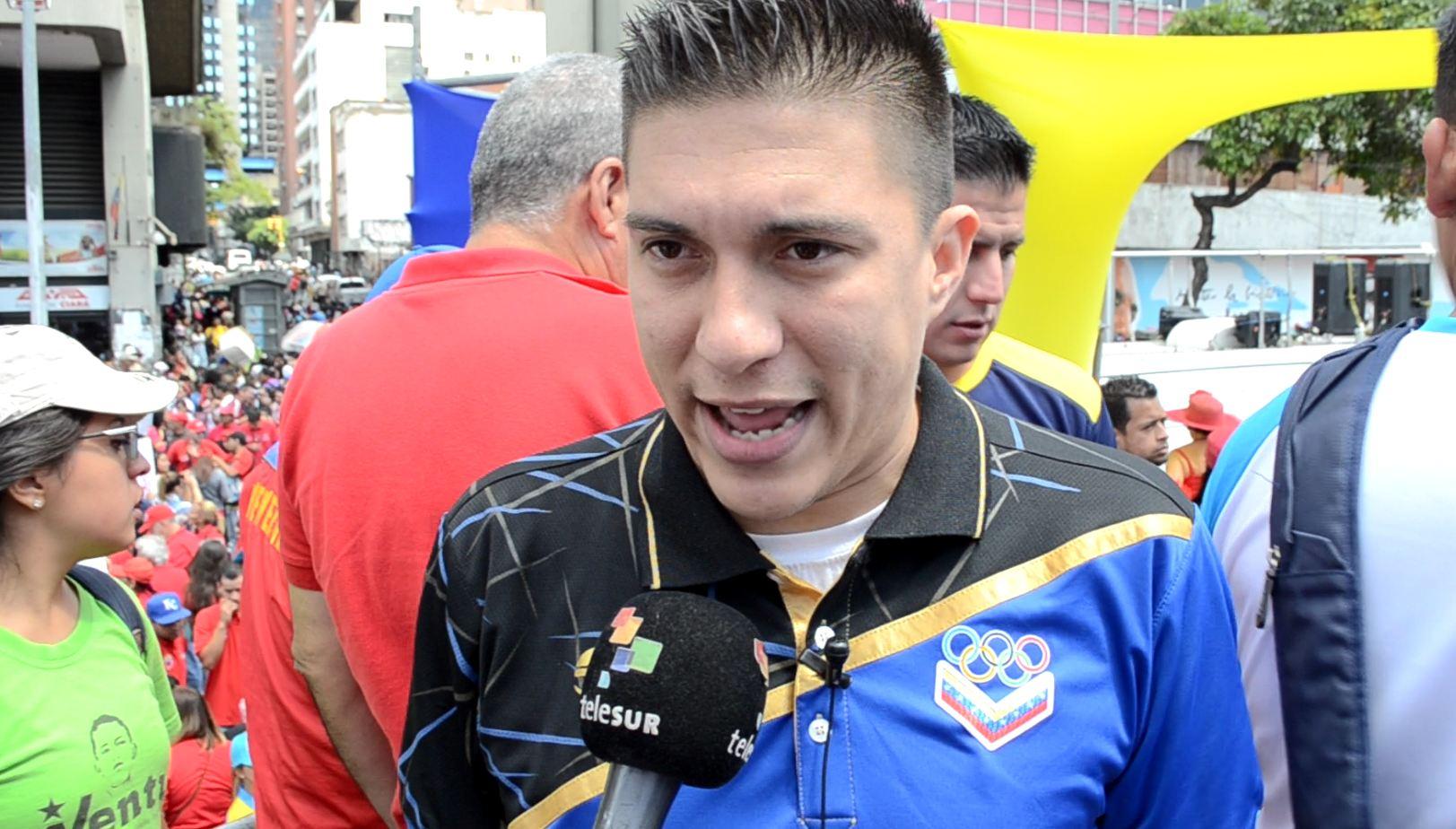 Gutiérrez: la única vía es la democracia, la participación y la paz
