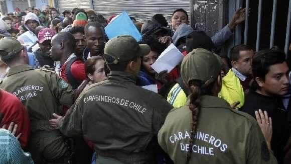 Medidas del gobierno de Piñera contra inmigrantes haitianos son discriminatorias