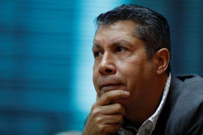 Candidato opositor Henri Falcón cuestiona el llamado al abstencionismo
