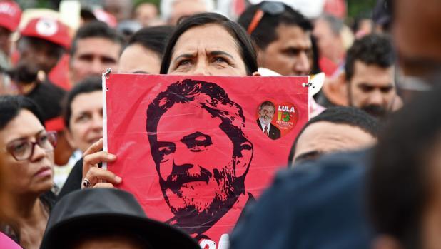 Lula es tendencia en Twitter