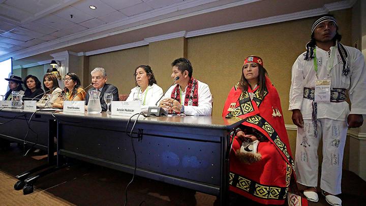 300 indígenas trabajan para reivindicar sus derechos en la Cumbre de la Américas