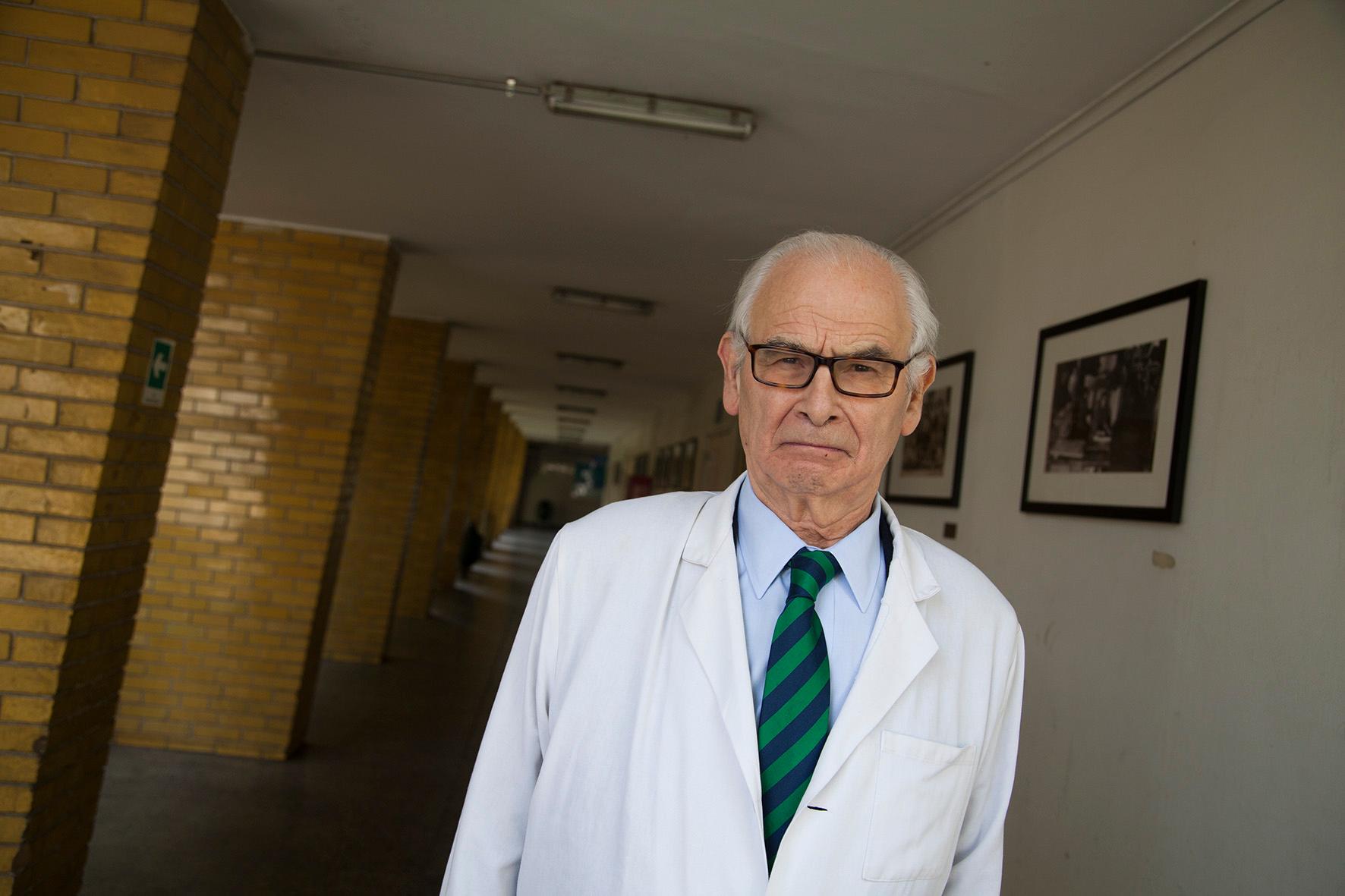 Por sus vínculos con Colonia Dignidad, suspenden Premio Nacional de Medicina a Otto Dörr