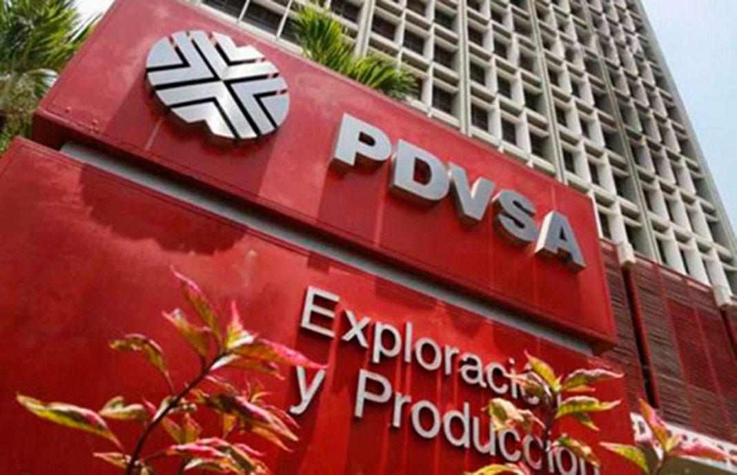 Maduro ordena aumentar producción de petróleo a 2,8 millones de barriles diarios