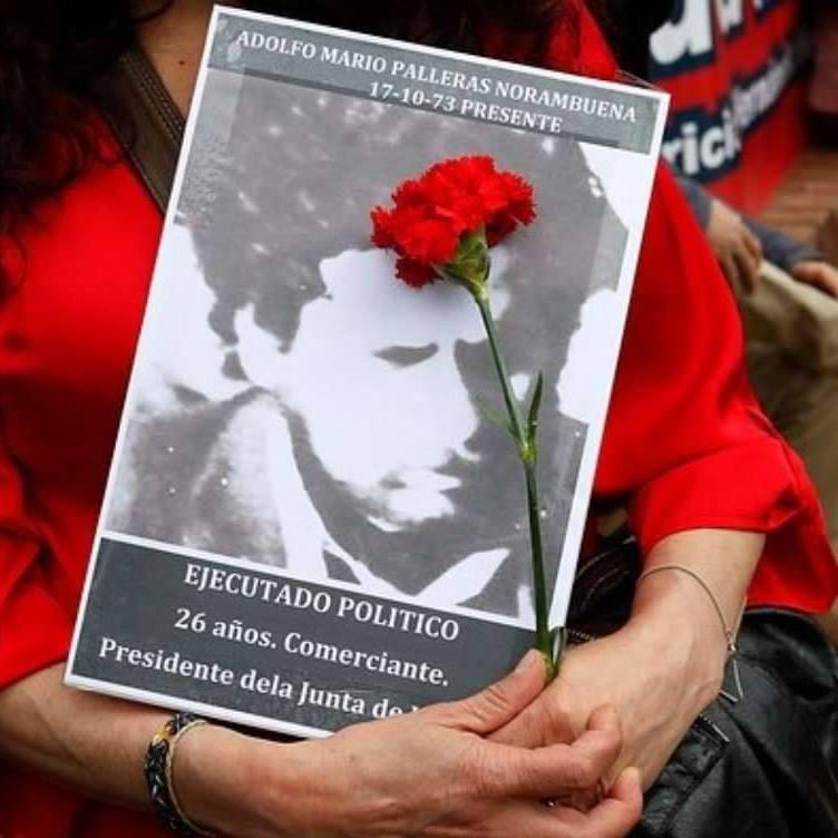 Hermana de desaparecido pide al Gobierno medidas ante poleras que festinan con crímenes de la dictadura
