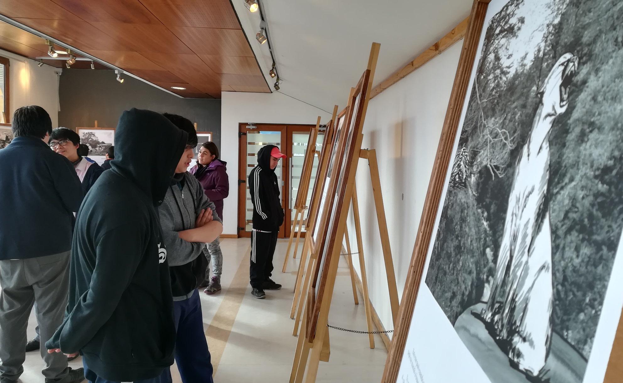 Coyhaique: Realizan expo «Mentiras Populares de la Patagonia» y Feria de Antigüedades