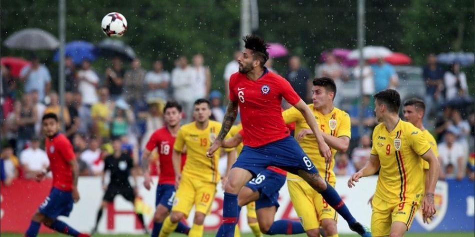 Comenzó el recambio: Chile pierde en amistoso con Rumania con jugadores jóvenes en cancha