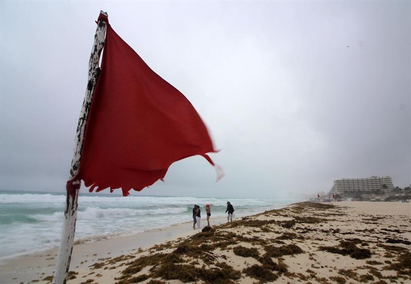 Comienza la temporada de huracanes en el Atlántico con el avance de la tormenta subtropical Alberto