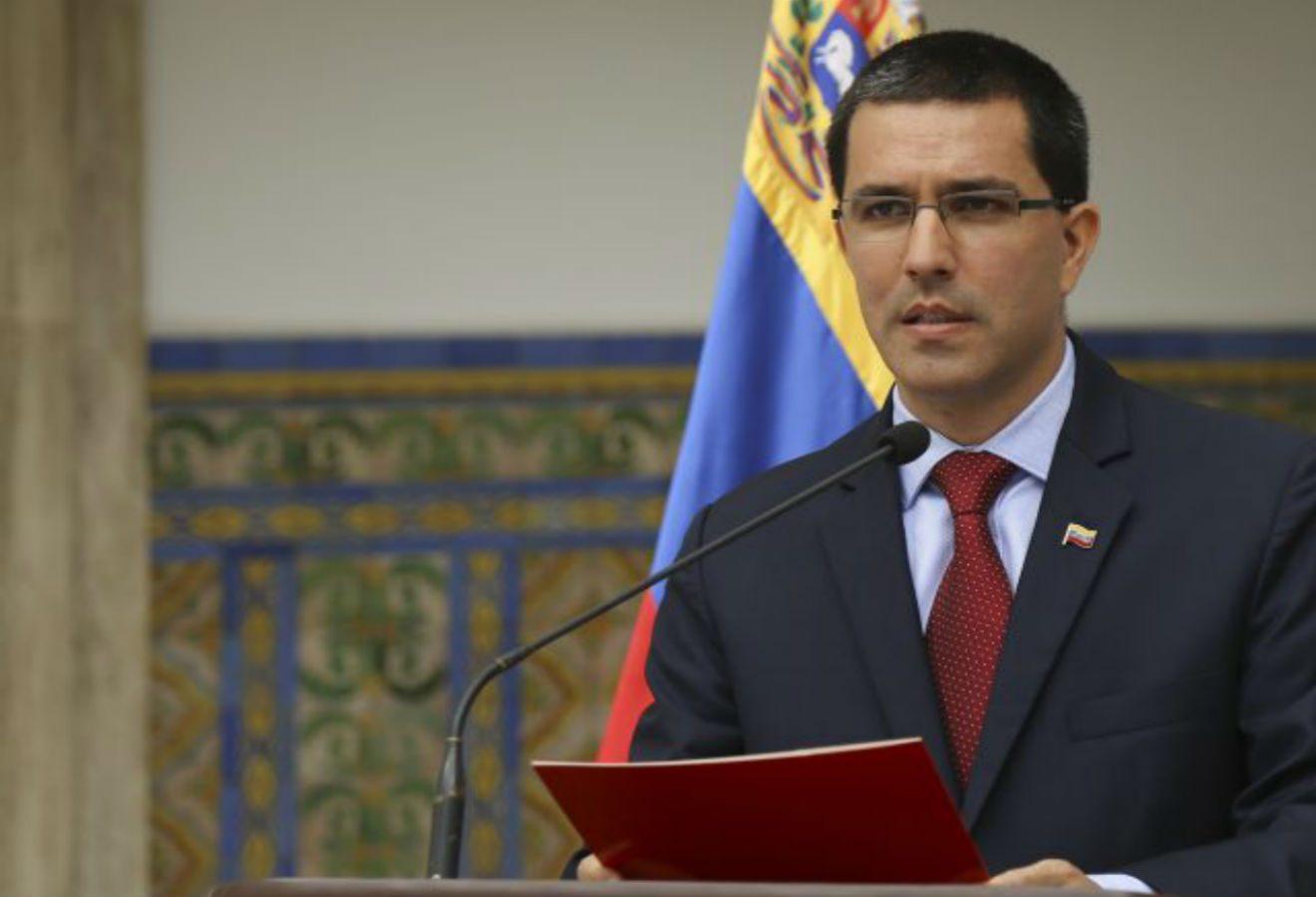 Canciller venezolano afirma que su país fortaleció su independencia en elecciones del domingo