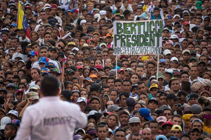 Bertucci promete recuperar la economía en un año