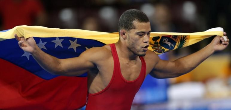 Luis Avendaño gana oro en Panamericano de lucha grecorromana