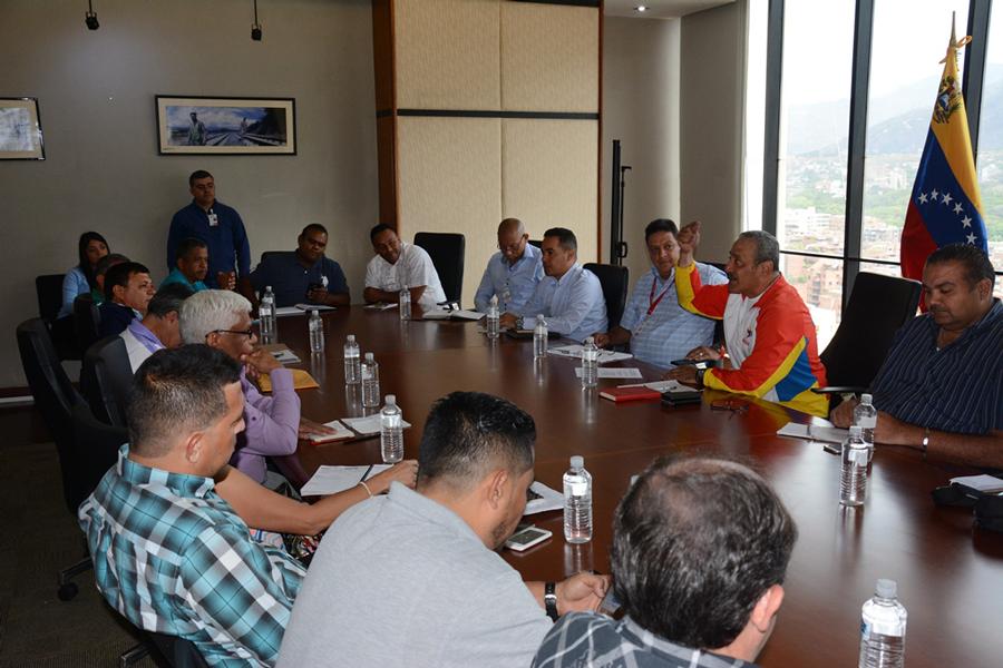 Gobierno venezolano insta a transportistas  a consensuar tarifas del pasaje