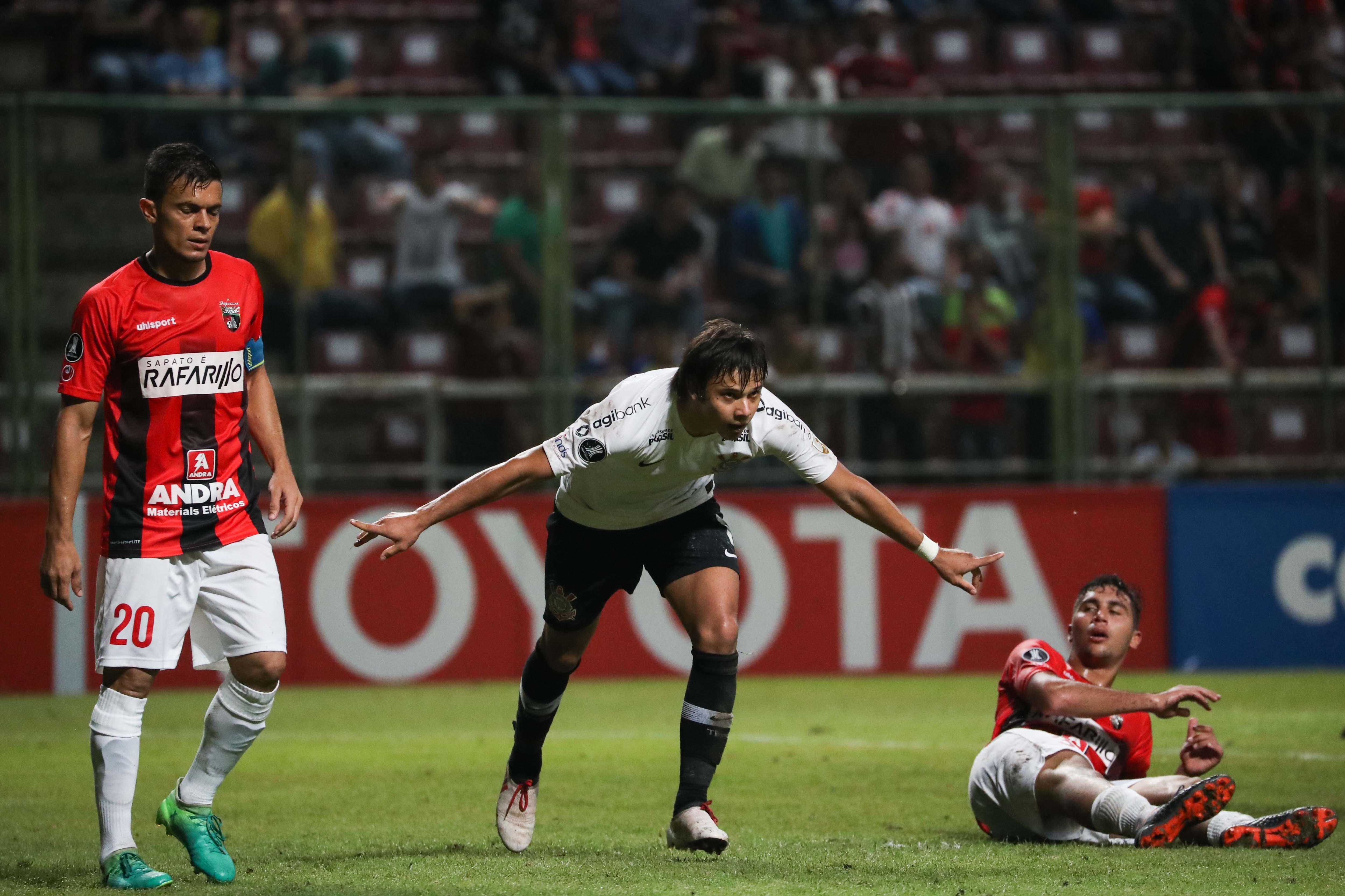 Corinthias destrozó ilusiones del Deportivo Lara de subir a la cima