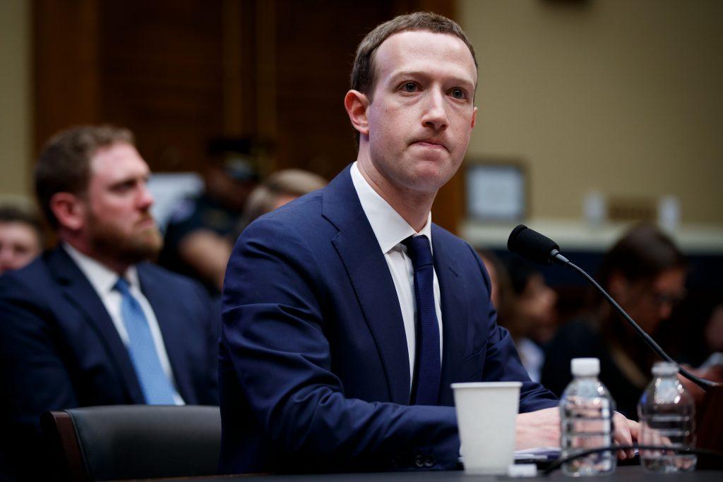 Políticos europeos piden audiencia pública del Parlamento Europeo con Zuckerberg
