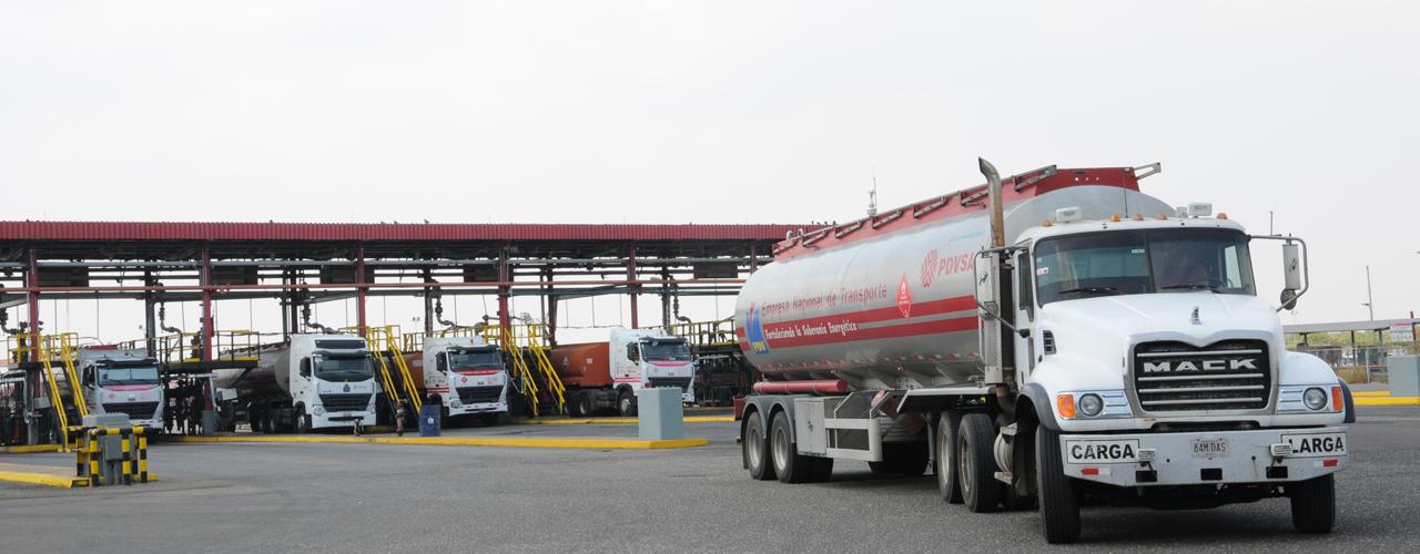 Trabajadores de combustible garantizan distribución de gasolina en todo el país