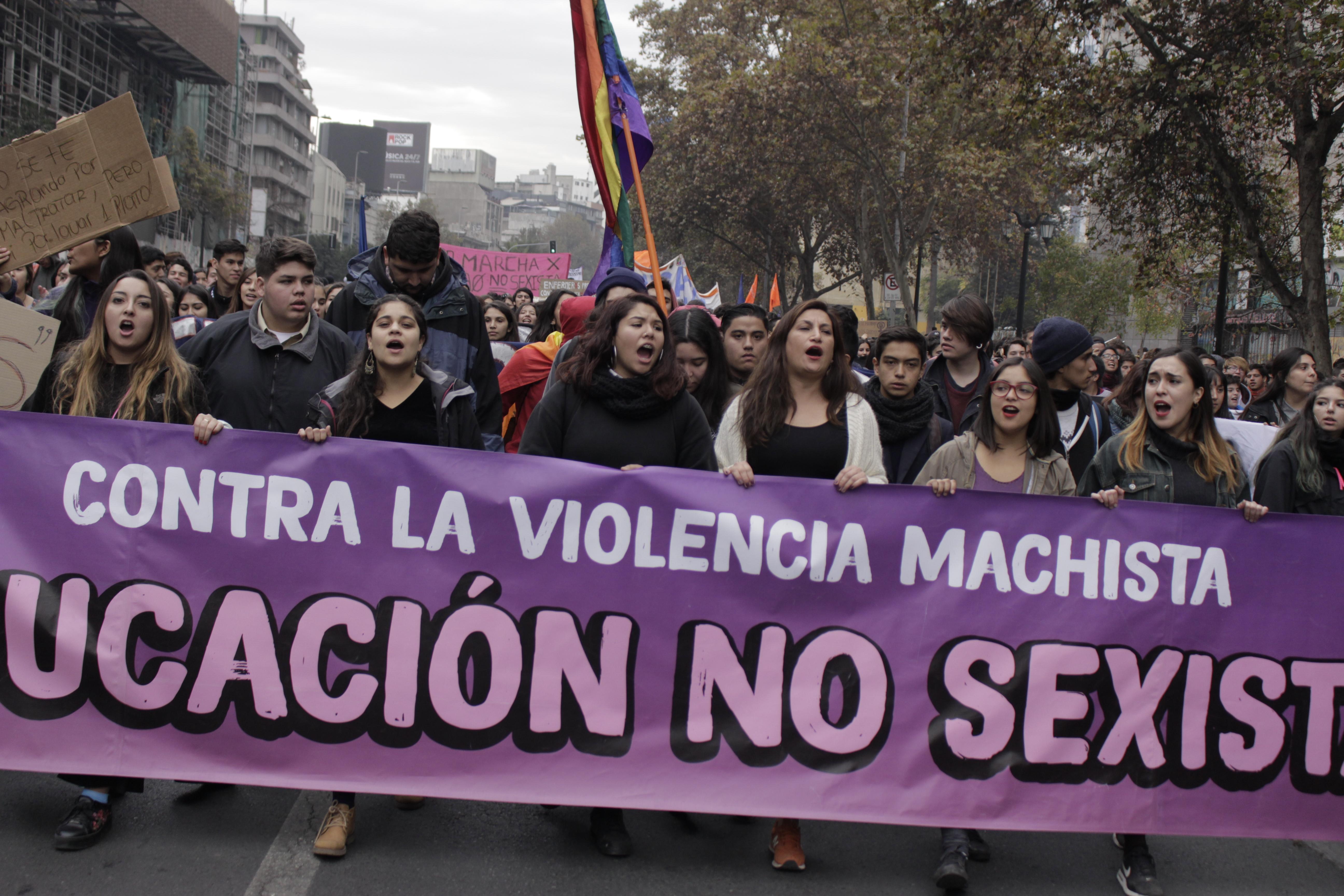 """Lanzan portal web sobre """"educación no sexista"""""""
