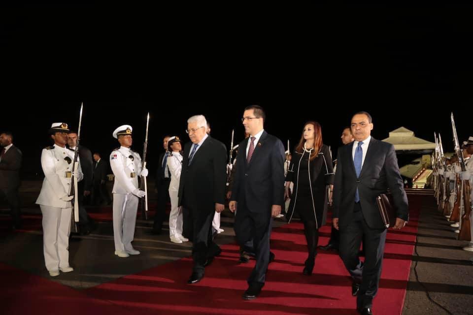 Llegó a Venezuela el presidente de Palestina Mahmud Abás